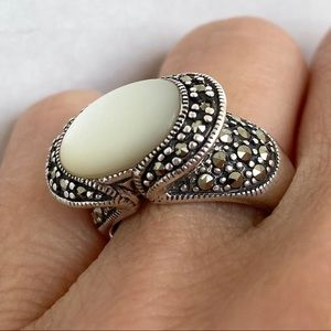 Sterling silver Mother of Pearl Marcasite Ring 925